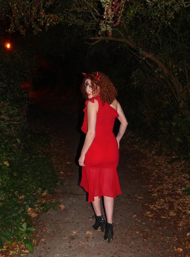 easy devil halloween costume