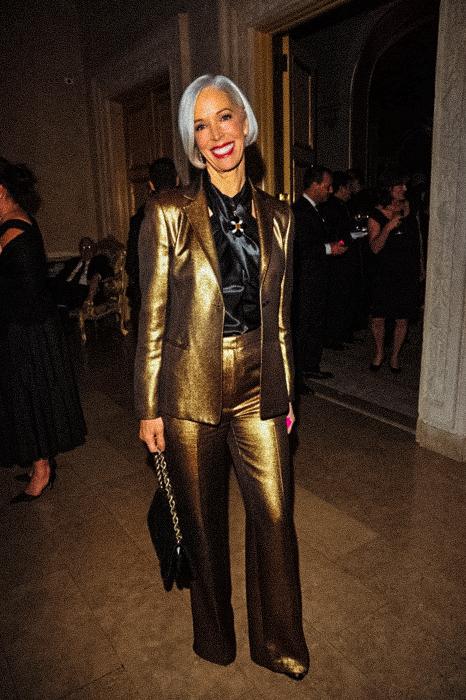 Linda Fargo gold suit