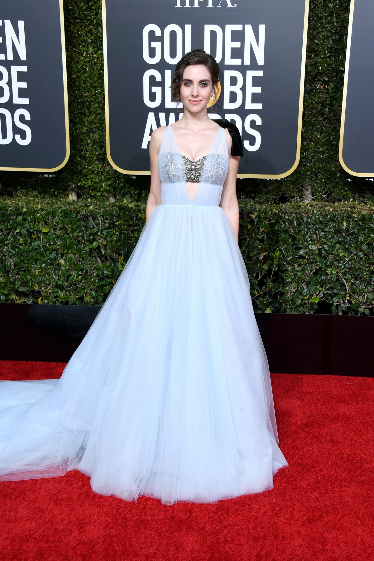 Alison Brie wearing Vera Wang Golden Globes